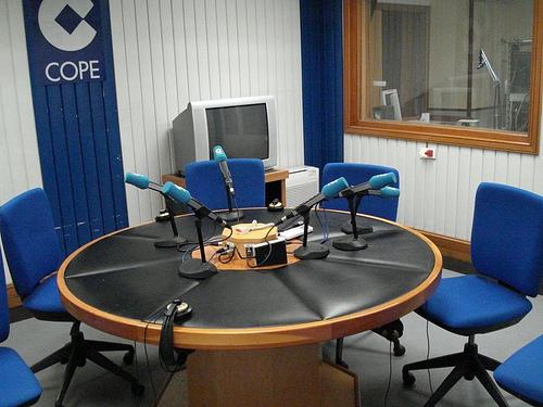 11-12-2015. Entrevista de la Cadena Cope al president de la CECE nacional, Alfonso Aguiló i al president de la CECE a les IB, Ventura Blach.