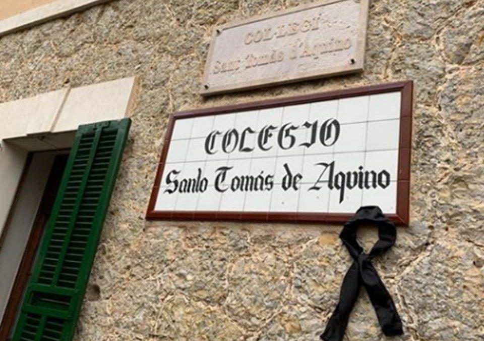 Ha fallecido D.ª Jerónima Ferragut Sampol, titular del colegio Santo Tomás de Aquino. Nuestro más sentido pésame a su familia.