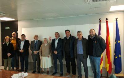 El conseller Martí March, acompanyat del director general de Planificació, Ordenació i Centres, Antoni Morante, s'ha reunit amb els representants de Schola Libera.(04.03.2020)