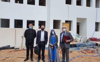 Visita del Presidente, vicepresidente y delegado de Ibiza de CECEIB a las obras del nuevo centro de EP del Colegio Virgen Milagrosa de Formentera, junto a su directora Sor Reina